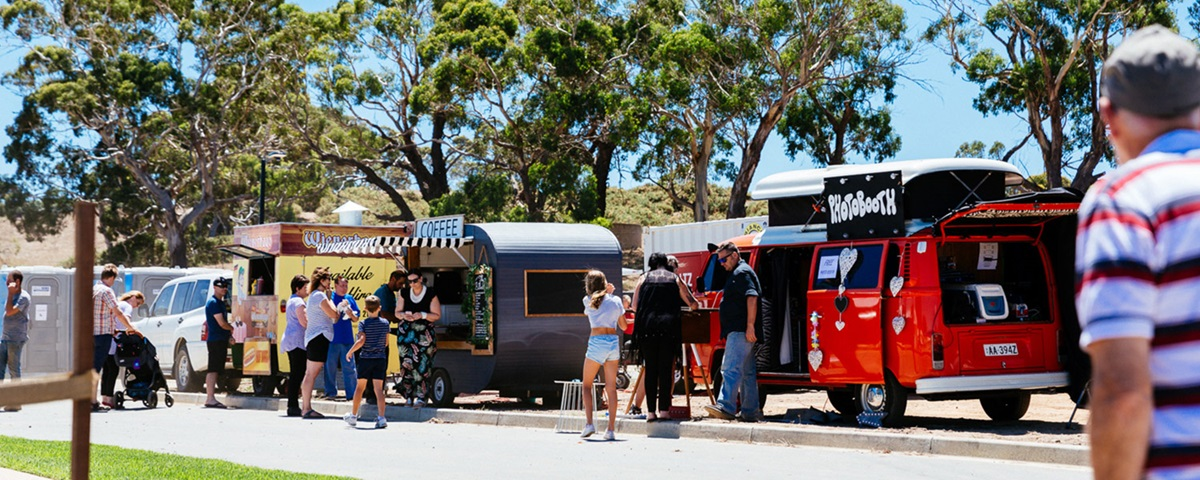 Food vans at Parkindula homestead re-opening