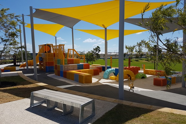 Golden bay colour block park image 1