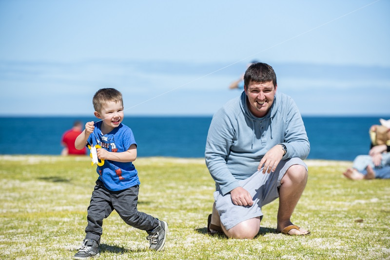 kite festival_dad and son