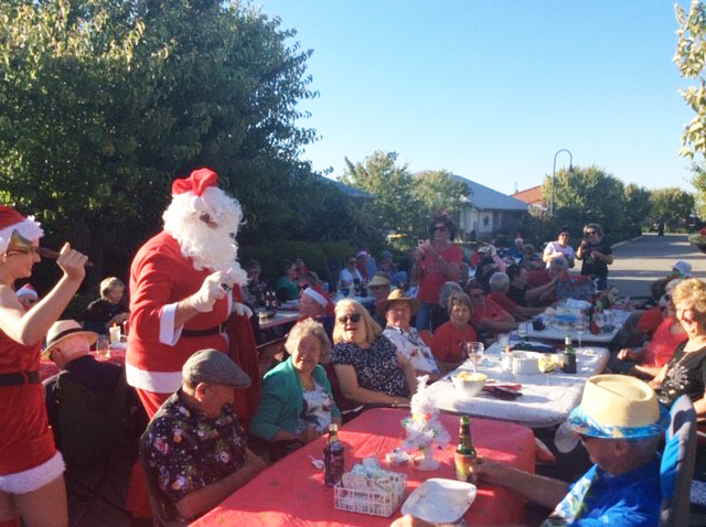 lattitude lakelands annual christmas street party